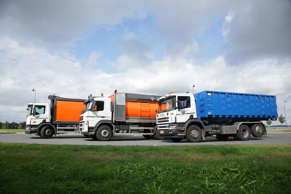 Meiltä saat vaihtolavat kattavalla palvelulla. Tuomme, välityhjennämme, viemme pois, toimitamme jätteen sinne minne se kuuluu ja tarvittaessa raportoimme kuljetukset.